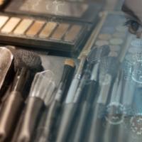 Kosmetikstudio zu