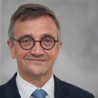Dr. Fabian Feil